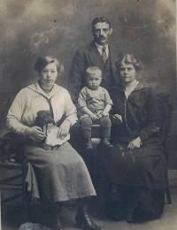 Familie de Ruiter-Kaasjager en zuster