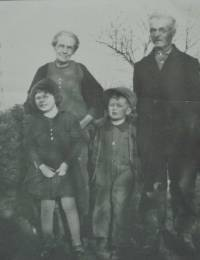 Lorna Wilhelmina Martin, Eliza Ann Duncan, Duncan Lorne Martin & William Robert Martin