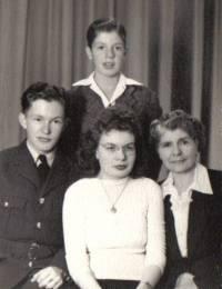 William Robert, Lorna Wilhelmina, Gordon Kenneth Martin & Wilhelmina Huiberdina Kaasjager